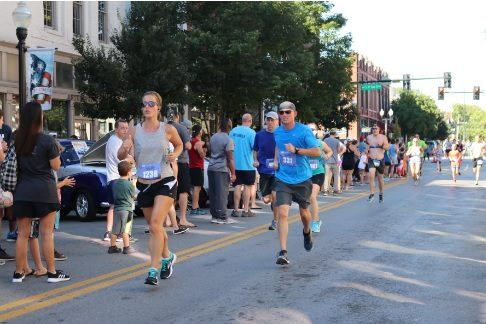Save $5 through early registration for Mercy Healthcares Labor Day Franklin Classic