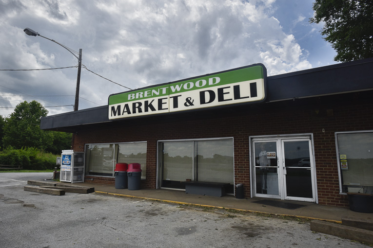 Brentwood Market and Deli closed, city says property will not be rezoned