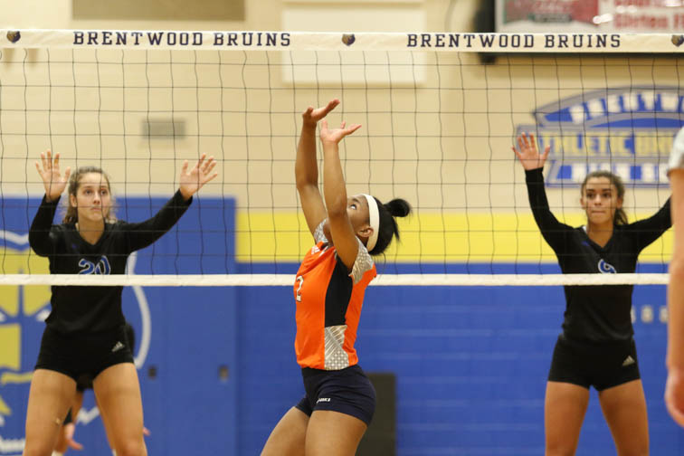 PHOTOS: Brentwood tops Summit in midweek volleyball