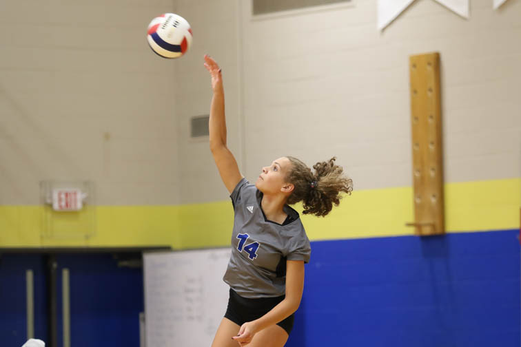 Brentwood volleyball starts off year right with win over Father Ryan