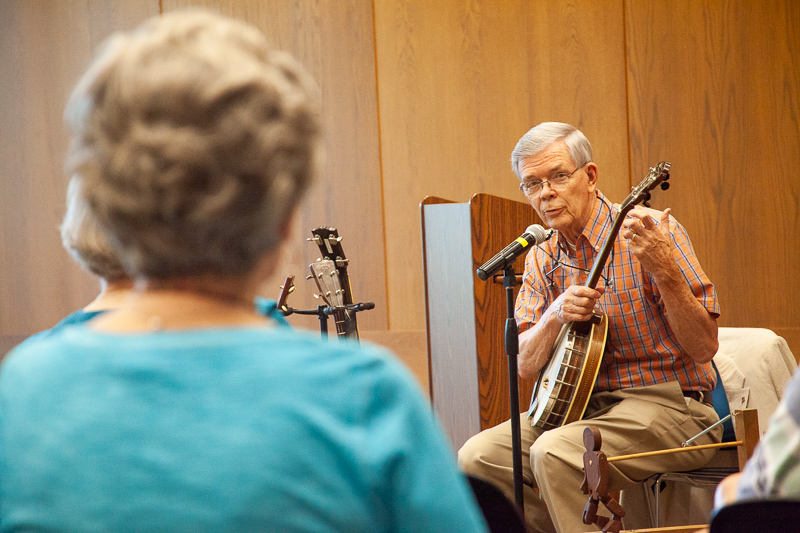 Banjos, guitars and folktales come alive at Brentwood library