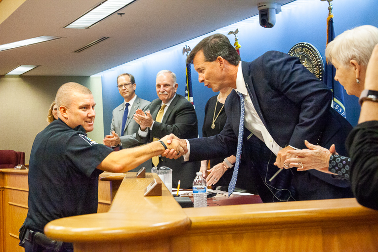 Brentwood City Commission awards money to schools, approves banner amendments, honors officer