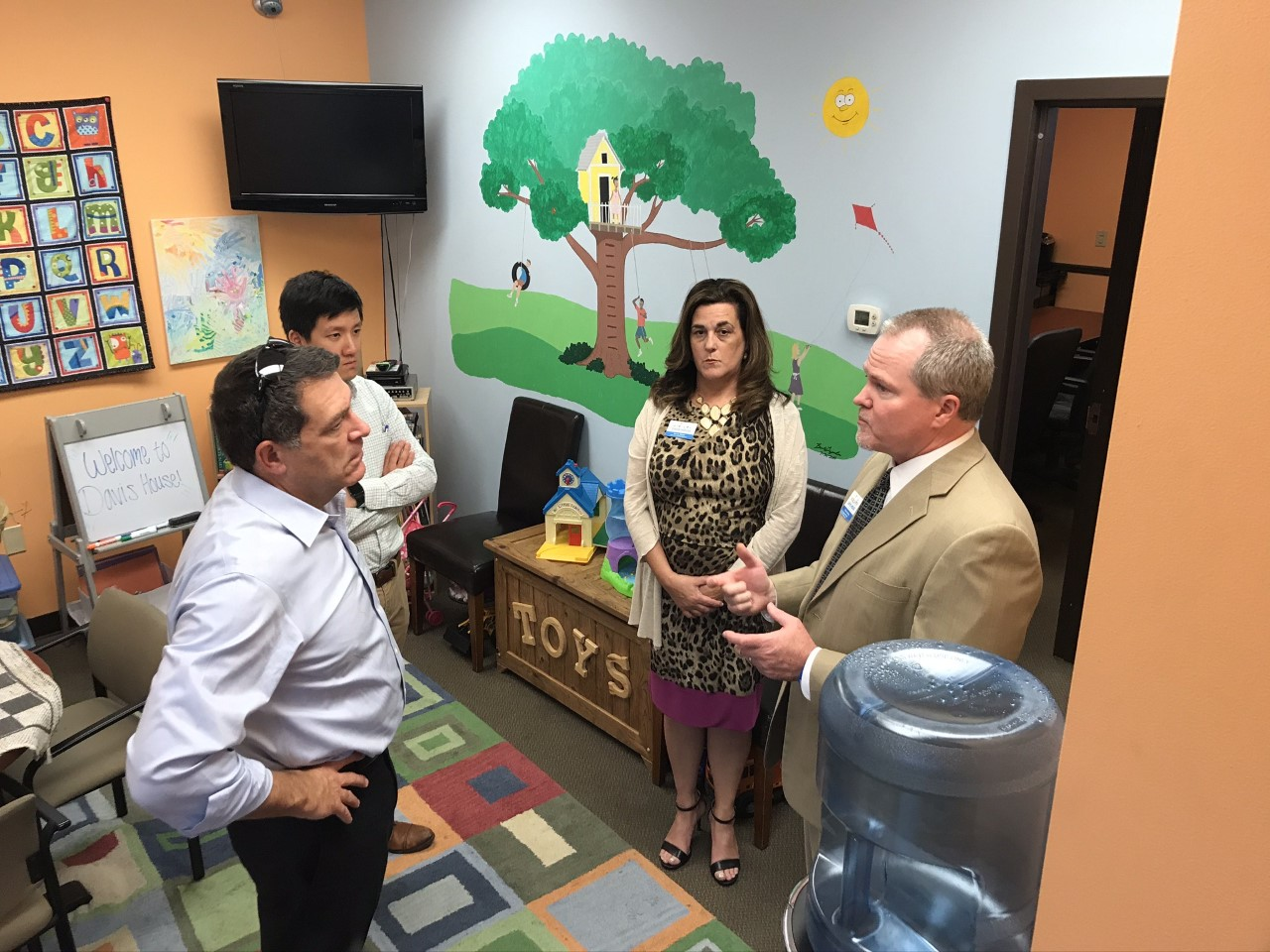 U.S. Rep. Mark Green gets inside look at child advocacy center Davis House during tour