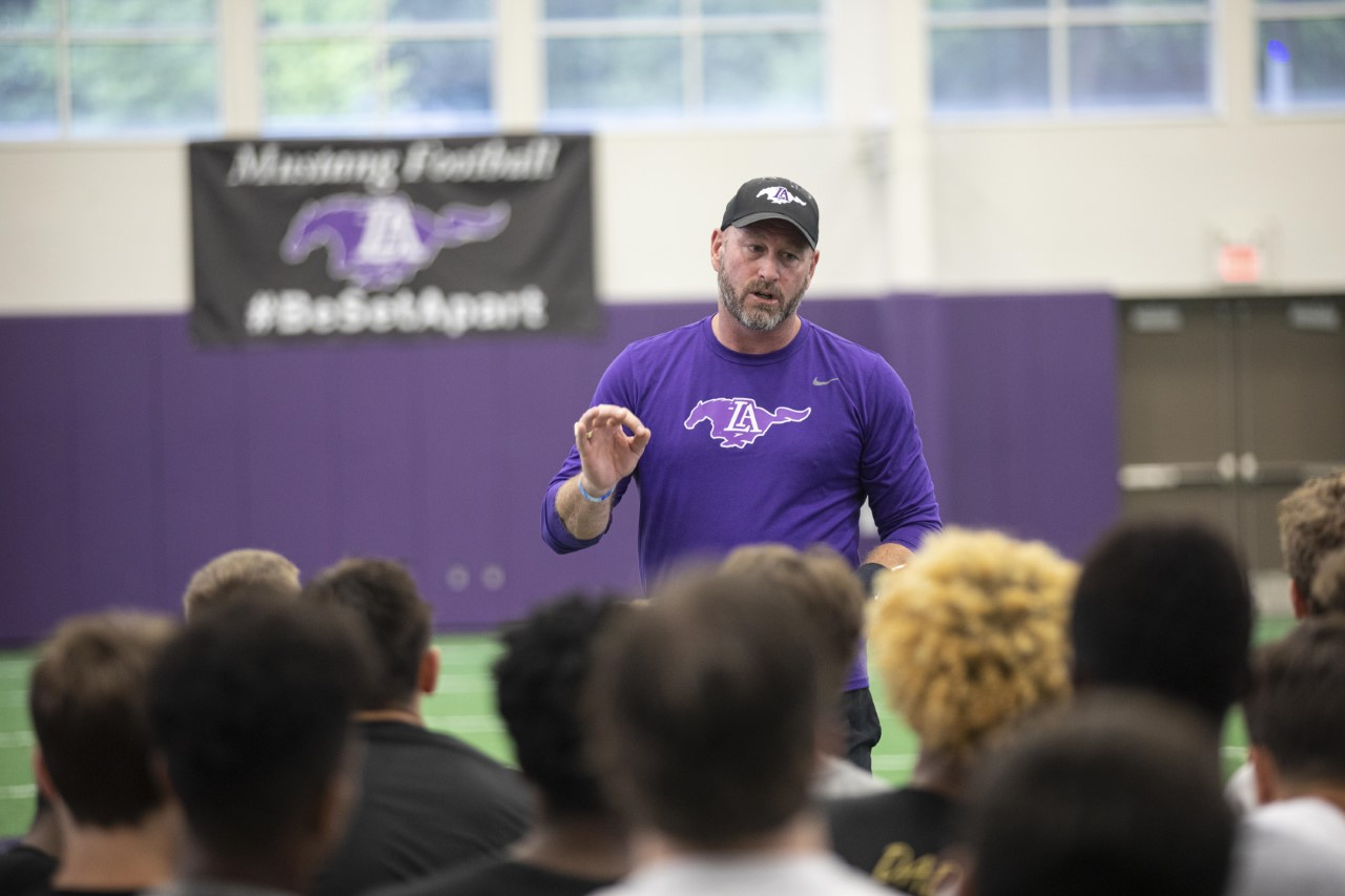 Lipscomb Academy coach Trent Dilfer gets 'dime' of first win as head coach