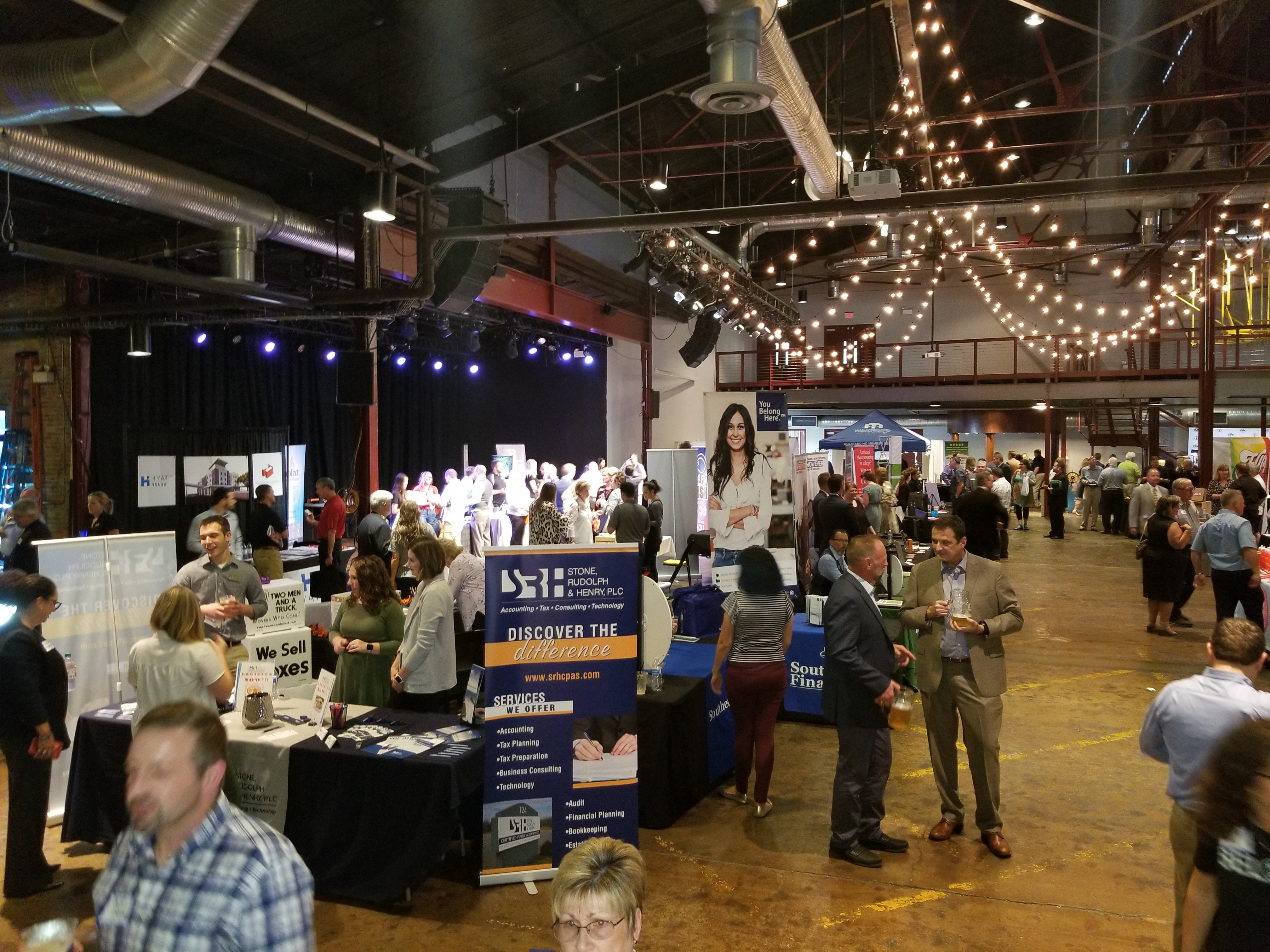 Williamson Inc. business expo offers job seekers a chance to connect with employers (and free beer)