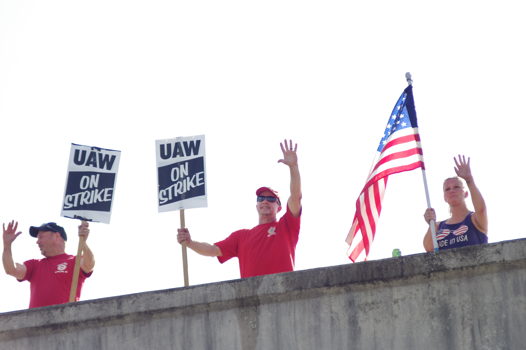 Spring Hill GM workers hold steady as national strike enters third week