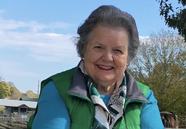 Steeplechase leader Alice Hooker dies