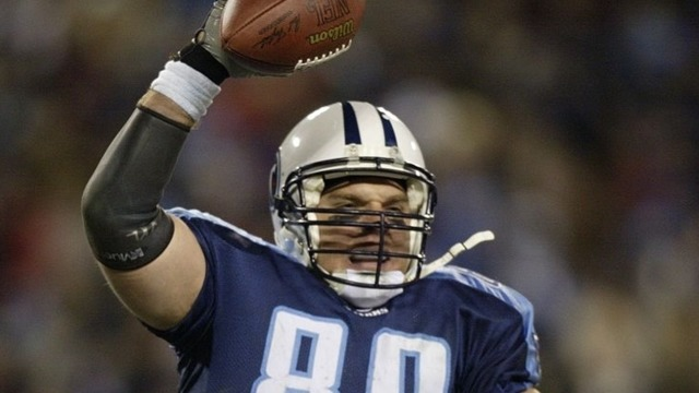 Former Titans player Frank Wycheck files $1M suit against Prairie Life Fitness