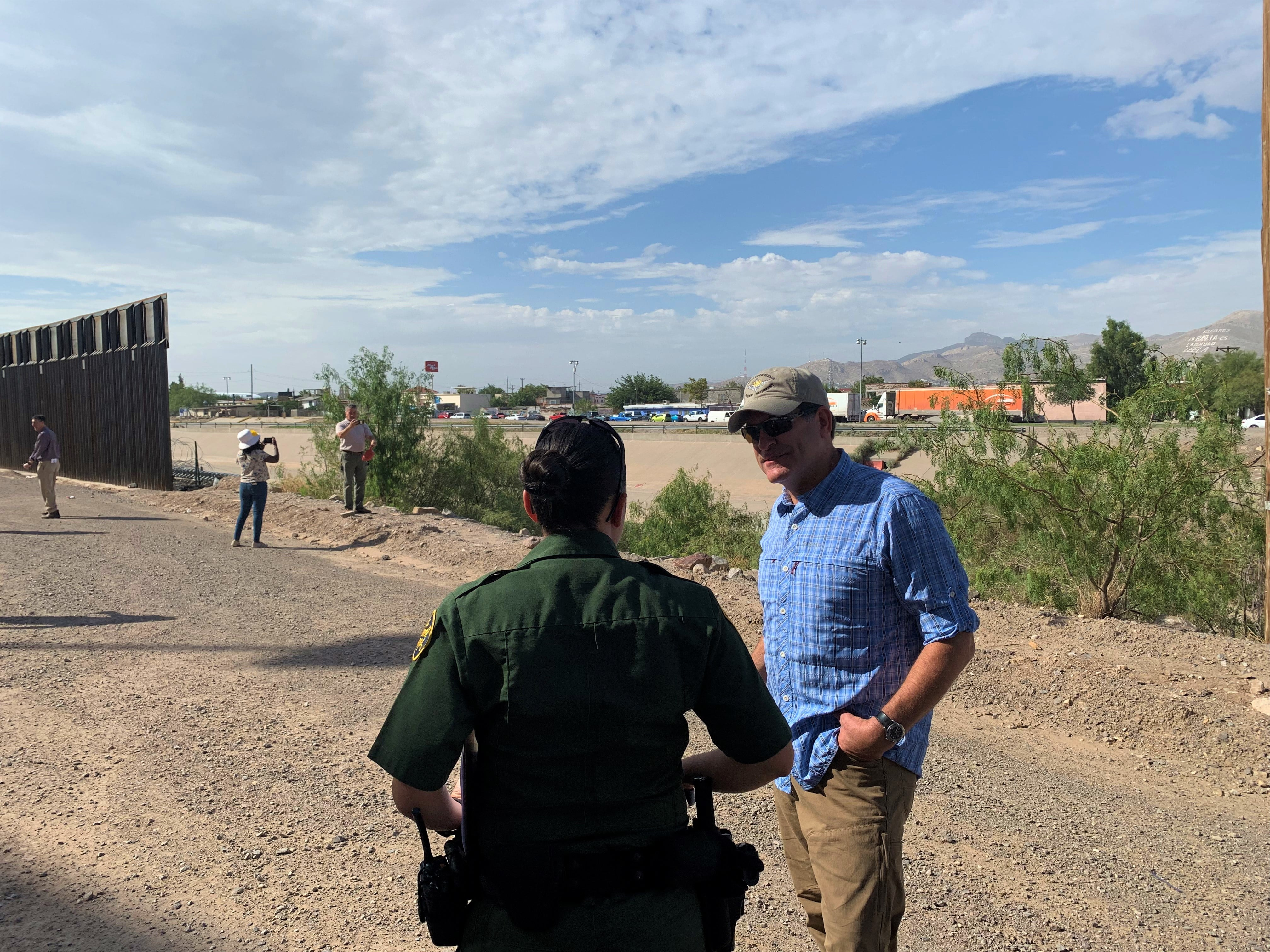 Rep. Mark Green tours border detention centers, calls AOC's claims of cruel conditions 'blatantly false'