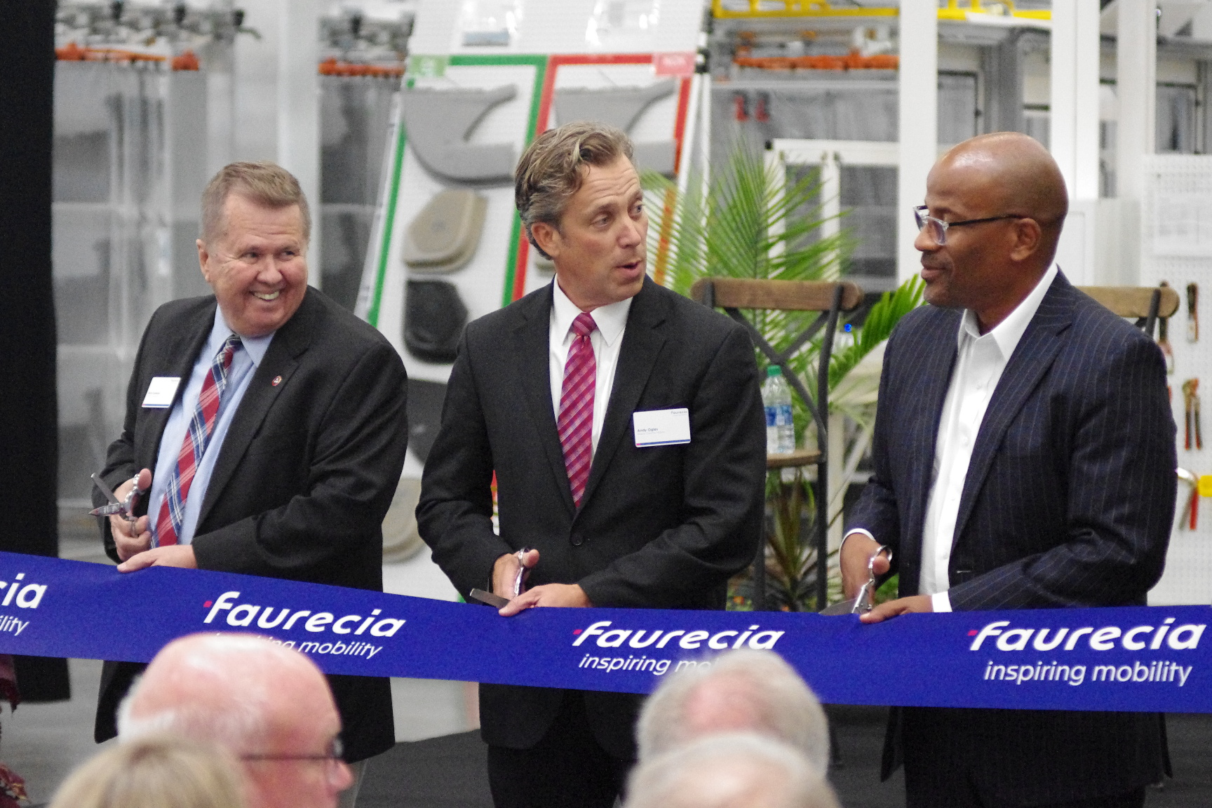Auto parts manufacturer Faurecia sees Spring Hill, Maury County mayors celebrate opening with ribbon cutting