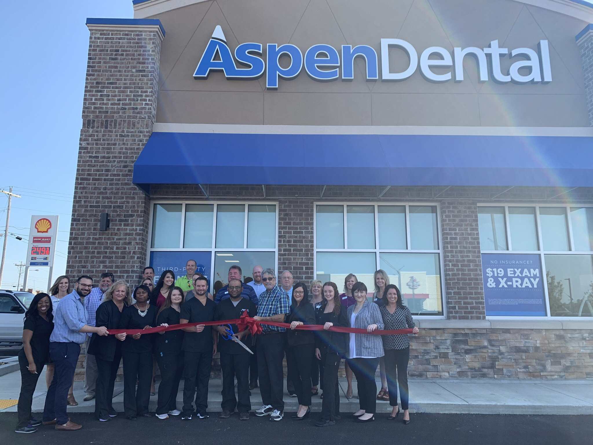 Aspen Dental in Spring Hill holds grand opening ceremony, announces free care for veterans on Sept. 7