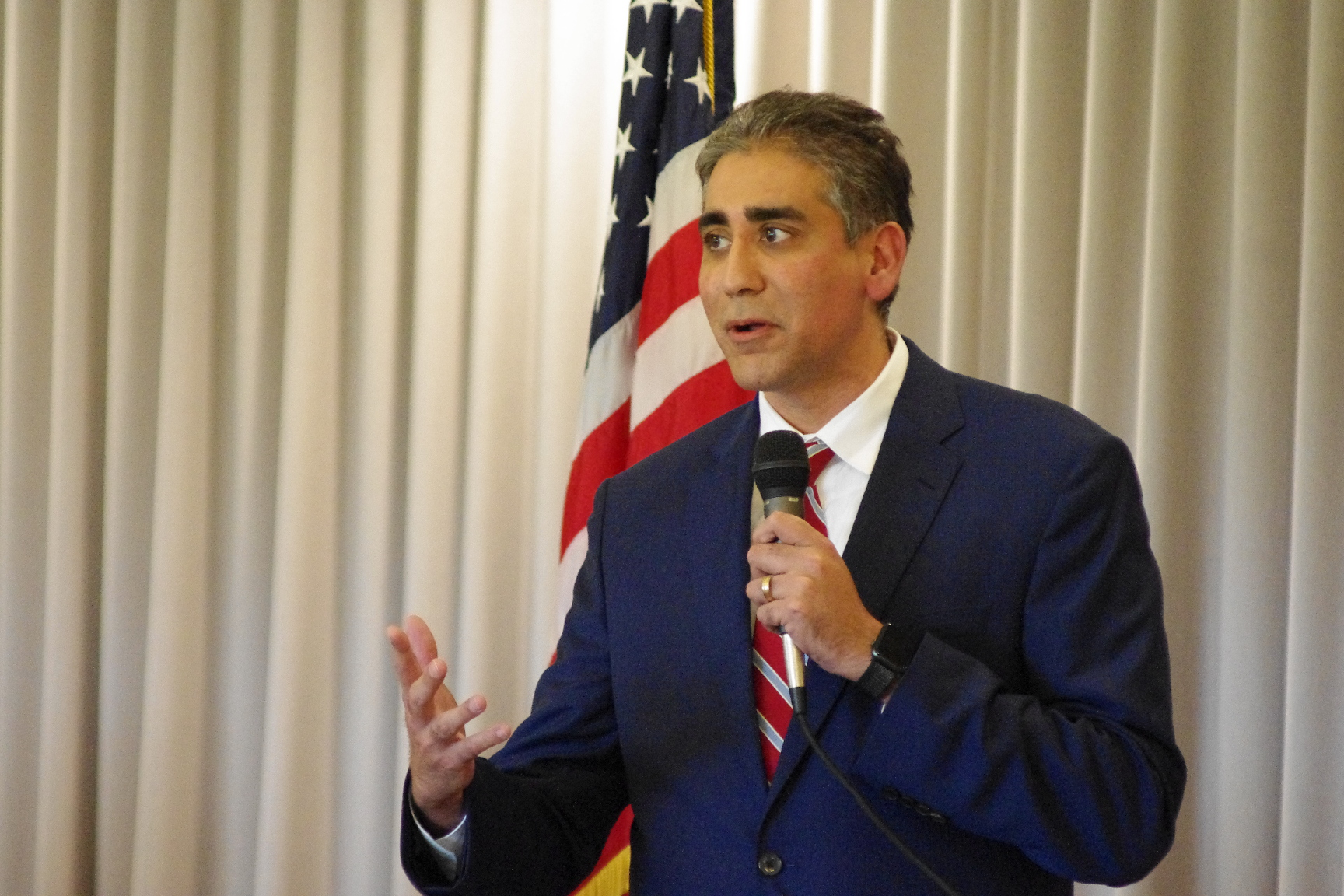 'The problem is not our guns, the problem is our phones' says Republican U.S. Senate hopeful Manny Sethi