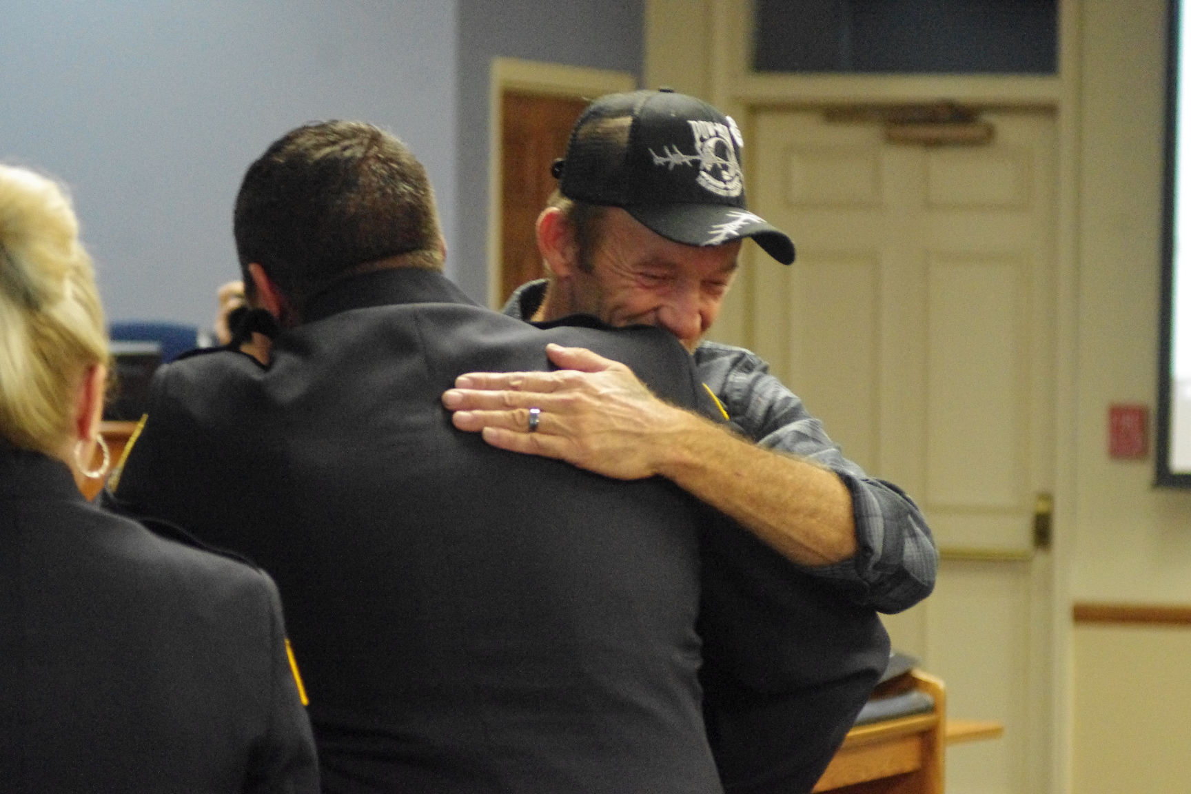 Man rescued by Spring Hill Fire Department thanks rescuer during city meeting
